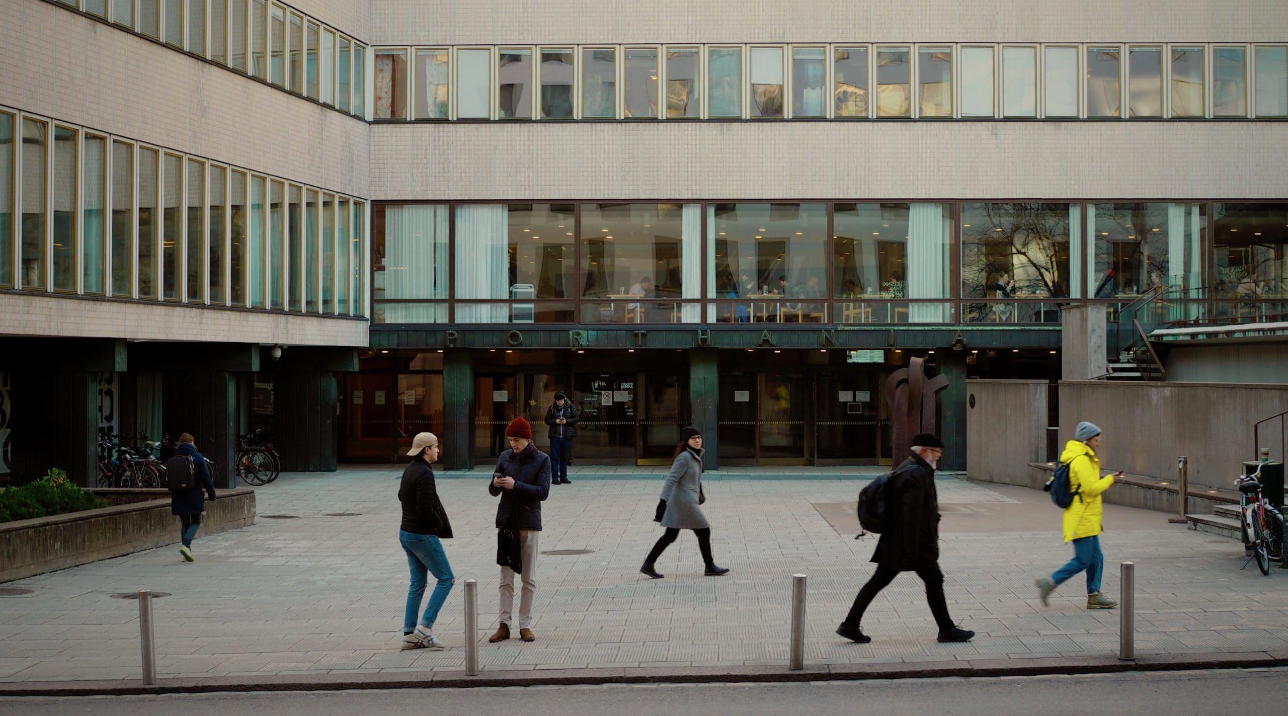Helsingin yliopiston kanssa kehitetty chatbot Harri Botter palvelee IT-asioissa vuorokauden ympäri